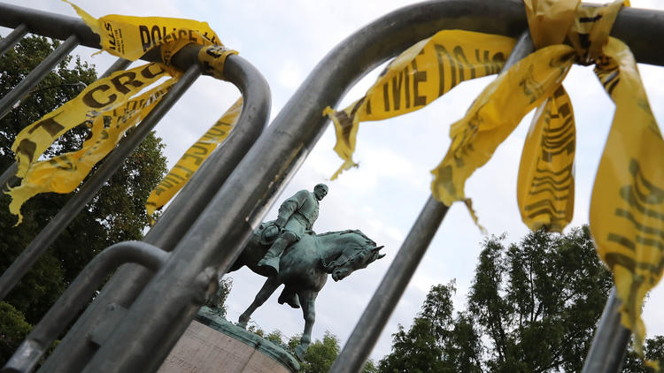 Racismo en Charlottesville robert E. Lee