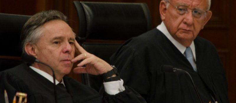 puede amlo bajar el sueldo a la suprema cortde justicia